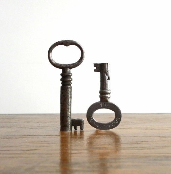 vintage skeleton keys one by eagle lock co KEY PHRASE