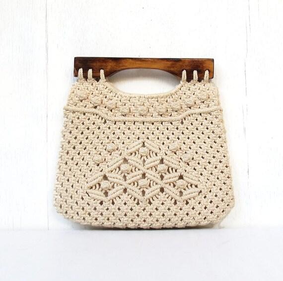 vintage folk macrame handbag purse philippines burmuda purse with wood handles BEACHES
