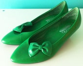 Vintage kelly green heels with removable bow shoe clips size 7