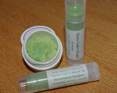 Say G'Day to your lips with revitalizing tea tree, eucalyptus, and emu oil in this lip smoother trio pack