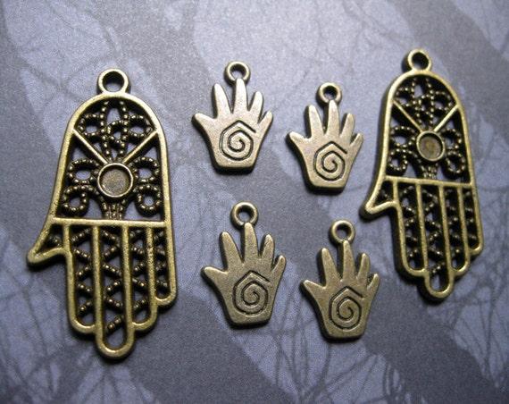Henna Hamsa Fatima Hand charms pendants in Bronze Tone - C883