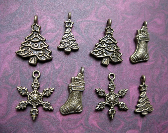 Collection of 8 Christmas Holiday Charms - C901