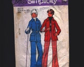 Vintage 1970s Simplicity sewing pattern ski suit Size 14 winter sports warmth raglan sleeves flapped patch pocket free shipping lined pants