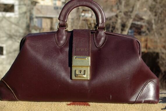 vtg. leather dOCTORS medicine bag made in the USA