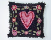 """Rug Hooking Pattern, Heart and Flowers, 15"""" x 15"""", on Primitive Linen or Monks Cloth, J530"""