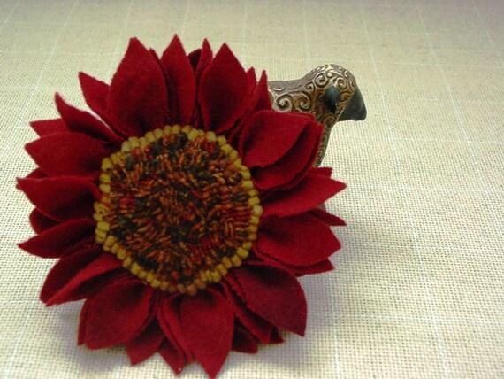Red Wool Flower Pin, J378