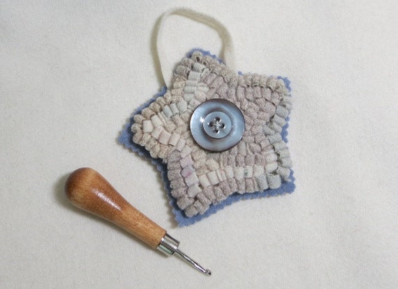 Primitive Hooked Star with Antique Button, J429