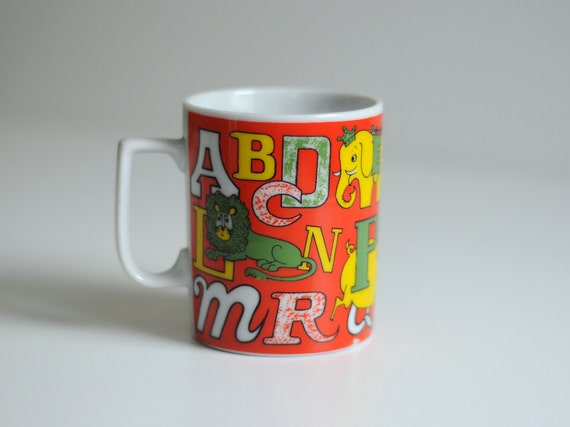 animal alphabet mug orange yellow green lion tiger elephant giraffe pig Japan