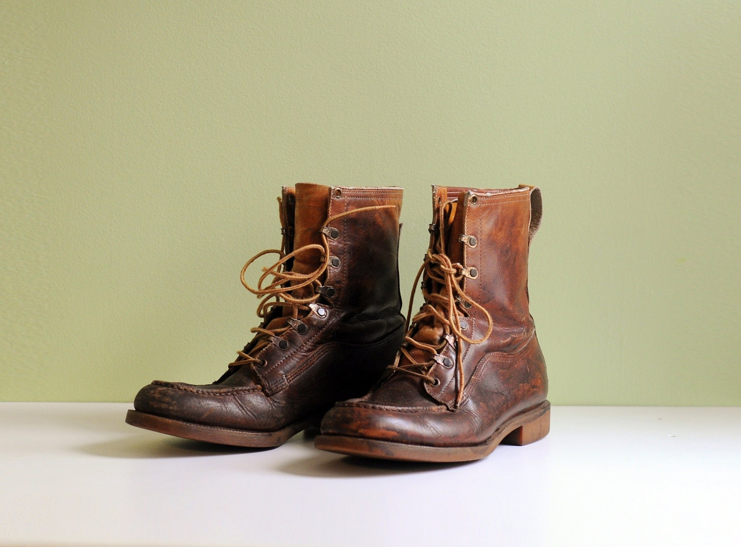 60s distressed work boots camel brown by carnivalofthemaniac