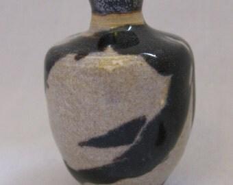 The Porcelain Prosperity Petit Flower Vase