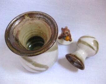 The Spring Twist Porcelain Vase Collection