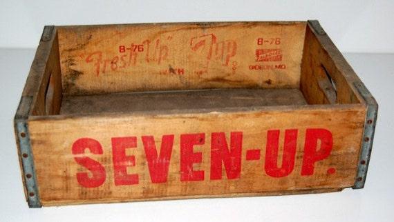 Vintage 7Up Crate