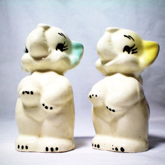 Elephant Salt and Pepper Shakers - American Bisque Pottery Company - Vintage