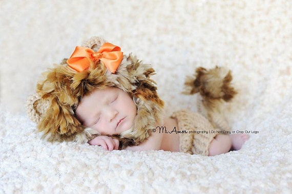 Circle of life baby lion bonnet hat with adjustable chin strap and matching diaper cover with tail Newborn