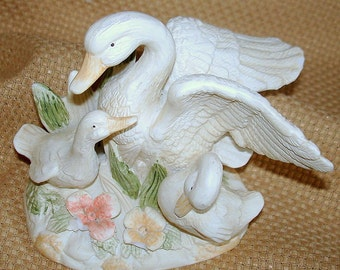Bird Figurine Mother Swan Two Young Swans Cygnets Vintage Porcelain Homco/Home Interiors