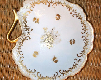 Lefton Clam Shell Serving Dish Small Bowl Vintage High Gloss Porcelain in White & Gold Self Raised Base