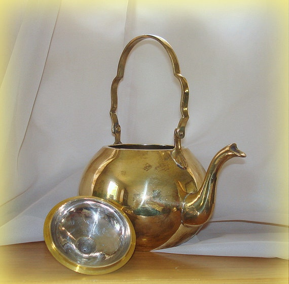 Vintage Solid Brass Teapot. Stainless Interior. Scalloped Handle