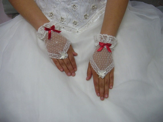 1980s White Lace V Fingerless Madonna Gloves with Red Bow