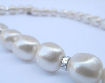 Vintage White Pearl Necklace Faux Pearl Necklace Single Strand Pearl Necklace Baroque Pearl Necklace Pearl Bead Necklace Vintage Pearl Neckl