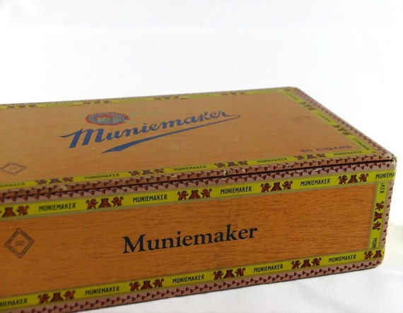 Vintage 10 Cent Cigar Box - Muniemaker Cigars, made in USA