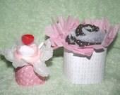 4 Piece Onesie Cupcake Gift Set for a Girl (onesie, blanket, socks, gift box)