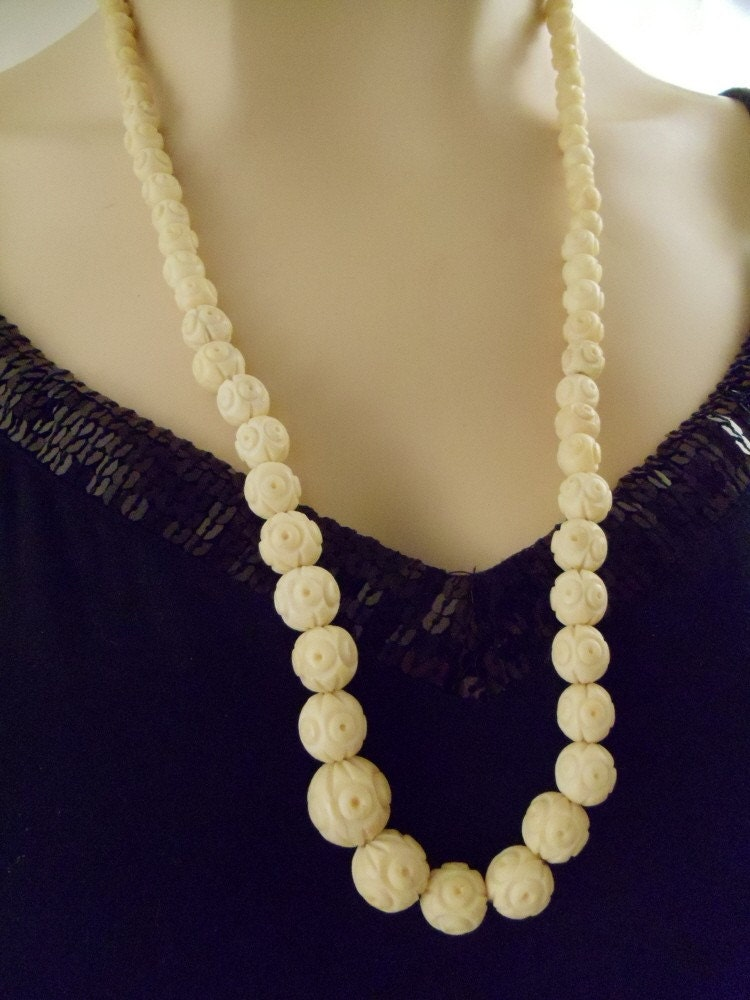 Vintage Jewelry Ivory Carved Bead Rose Style Necklace And
