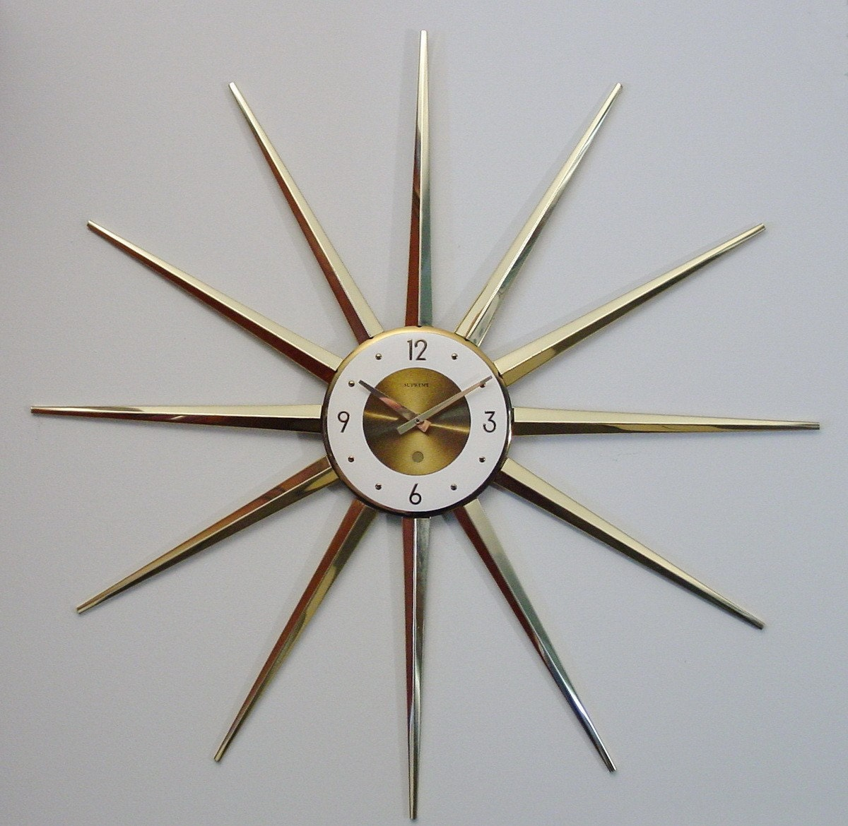 Vintage Starburst Wall Clock Sunburst Atomic Modernist Spike