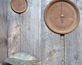 Hanging Scale Antique Detecto Wate Scoop Style Rusty Metal Rustic Farmhouse Kitchen Shabby Chic Country Store Decor Display Storage