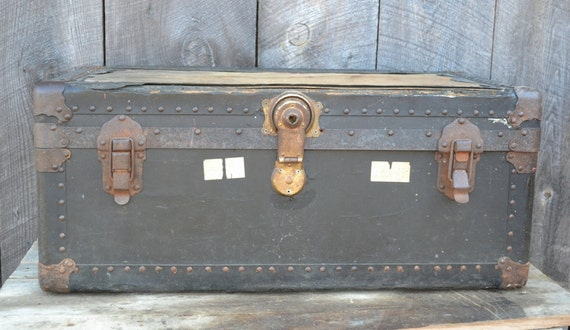 Black Trunk Steamer Travel Vintage Shabby Rustic Coffee Table Chest