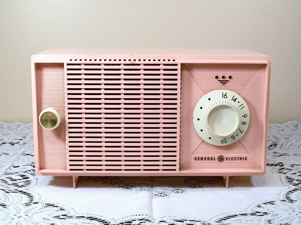 vintage pink radio general electric 1950 39 s display repair. Black Bedroom Furniture Sets. Home Design Ideas
