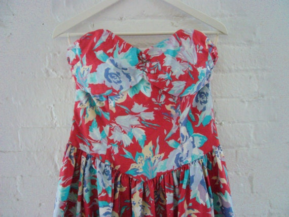 80s Floral Dress Vintage 1980s Laura Ashley Red Cotton Strapless Sundress Garden Party Dress Large Spring Fashion Sweetheart Neckline Dress