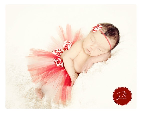 Peppermint Princess preemie or newborn tutu set. Comes with matching rosette headband. Made halfway around to make laying more comfortable.