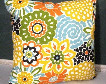 """Waverly Button Blooms Confetti pillow cover 20""""x 20"""""""