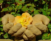 CUPPED HANDS BIRDFEEDER An Original Copyrighted Sculpture (o)