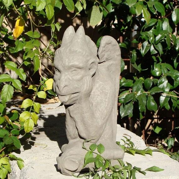 Vintage Stone GARGOYLE GARDEN STATUE Weathered Texture (a)