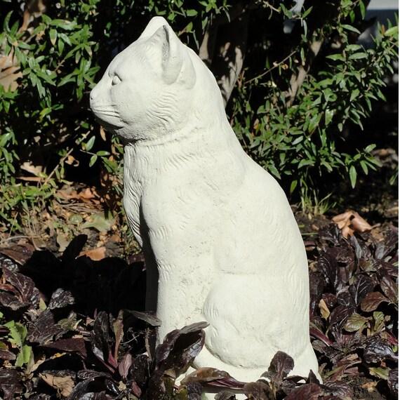 Vintage Stone SITTING CAT STATUE Garden Art w/ Worn Texture (c)