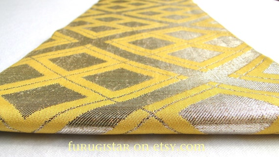 Vintage Japanese obi, Gold Thread and Yellow Silk. Fabulous Geometric Design