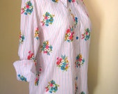 White floral shirt - retro print blouse - flowers and stripes - size medium