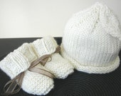 Heirloom Leaf Baby Hat and Booties