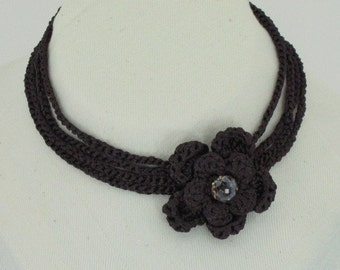 Trendy Crocheted Flower Necklace