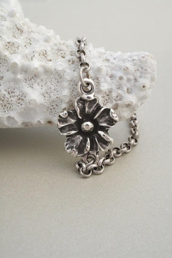 SILVER FLOWER ANKLE Bracelet by Cheydrea