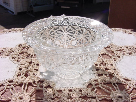 Daisy Button Pattern 3 Footed Kettle Vintage Glass Ashtray