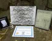 H.P. LOVECRAFT Grave Rubbing and Earth Set