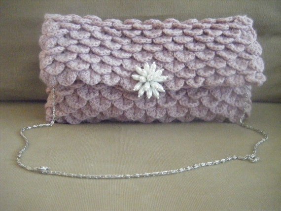 INSTANT DOWNLOAD Clutch Crocodile Oversize Crochet Pattern Include instructions to make Brooch Pearls