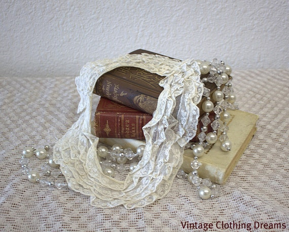 1920's Vintage Cream Lace Collar with five rows of lace- Excellent condition 13-3