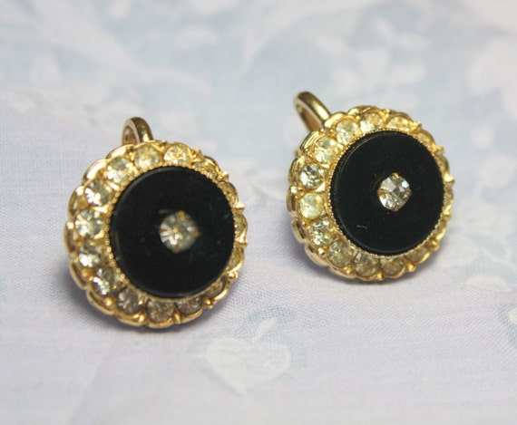 CLEARANCE  SALE STUNNING Vintage Black Glass Gold Filigree and Clear Rhinestone Screw Back Earrings in Excellent Condition