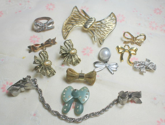 Destash Craft Lot of Vintage and Salvaged  Assorted Bow  Brooches and Jewelry Pieces for Assemblage