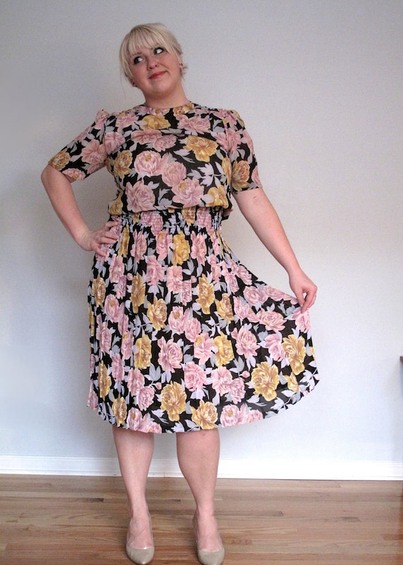Roses and Mustard- Vintage dress- plus size