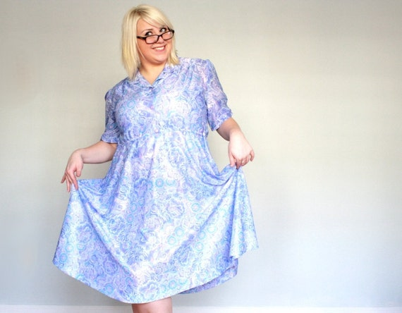 Icy Lilacs and Paisley Clouds - button down - Vintage Dress- plus size-xxl-xxxl