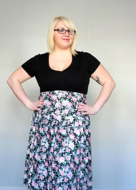 Pastel Spring Roses garden- Vintage skirt- plus size- floral- pleated